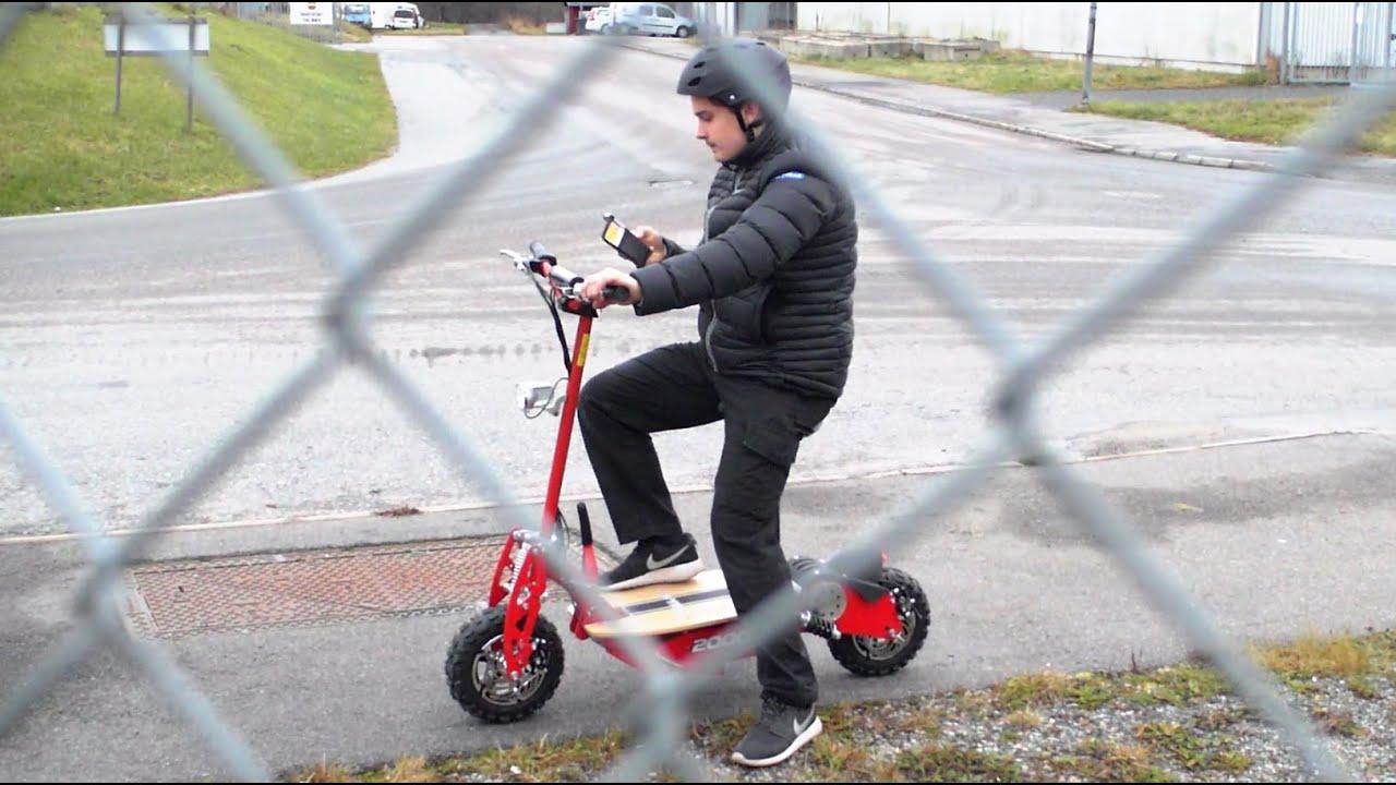 30da9c859 Test av Elscooter 2000W från Rull.se!