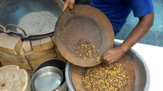 Roasted Chana making