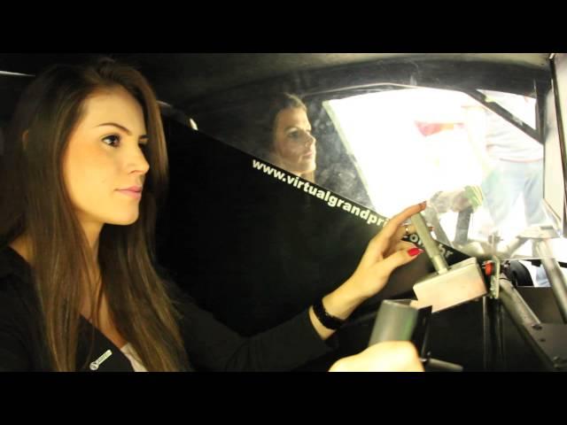 Pit Girls ARTEB Faróis    Simulador Stock-Car na Feira AUTOPAR