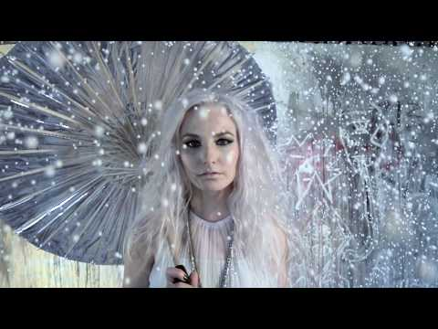 LARA SNOW - I Like Snow Feat. Safra (Official Video)