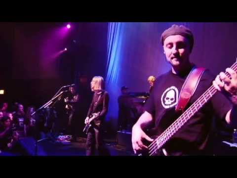 Porcupine Tree - Even Less - Live (from Arriving Somewhere DVD)