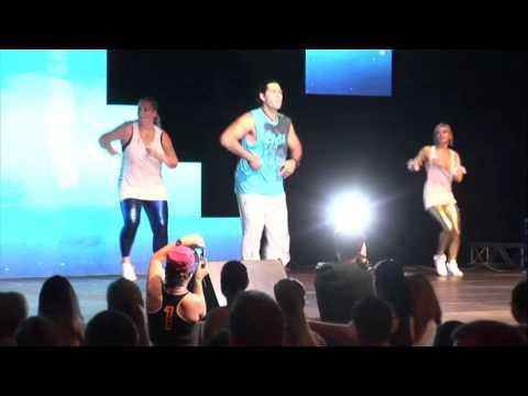 Mario Gutierrez aus Israel, zu Gast bei Tanzschule Rimek Zumba® Party . Sein Song: Vamonos De After
