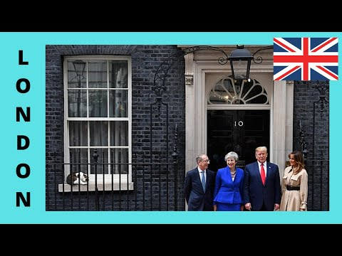 LONDON, 10 Downing Street, centre of protests and activities (ENGLAND)