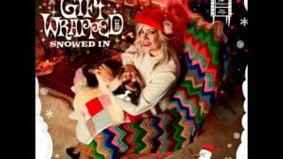 Tegan and Sara - The Chipmunk Song (Christmas Don