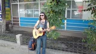 Поём на улице, гость из Питера