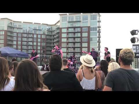 "Morgan Wallen ""Play Something Country"" (Brooks & Dunn Cover) - Nashville, TN 7/17/18"