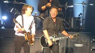 """""""I Saw Her Standing""""(2nd Time)Paul McCartney & Bruce Springsteen@ New York 9/15/17"""
