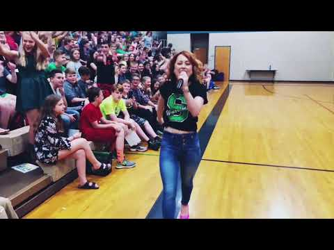 Casi Surprises Smithville Middle School for Their Last Day!