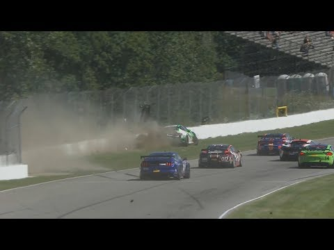 Pirelli World Challenge (GT4/GTS) 2017. Race 1 Mid-Ohio Sports Car Course. Start Hard Crash