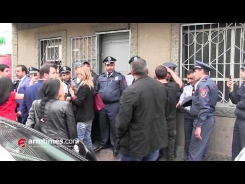 Քաշքշոց Նիկոլ Փաշինյանի, «Ելք» դաշինքի անդամների եւ ոստիկանների միջեւ