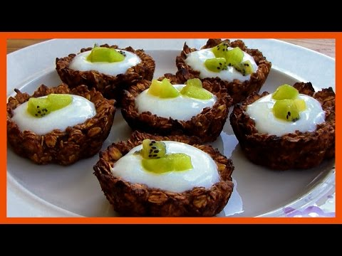 Healthy Breakfast - Granola Cups With Yogurt And Fruit