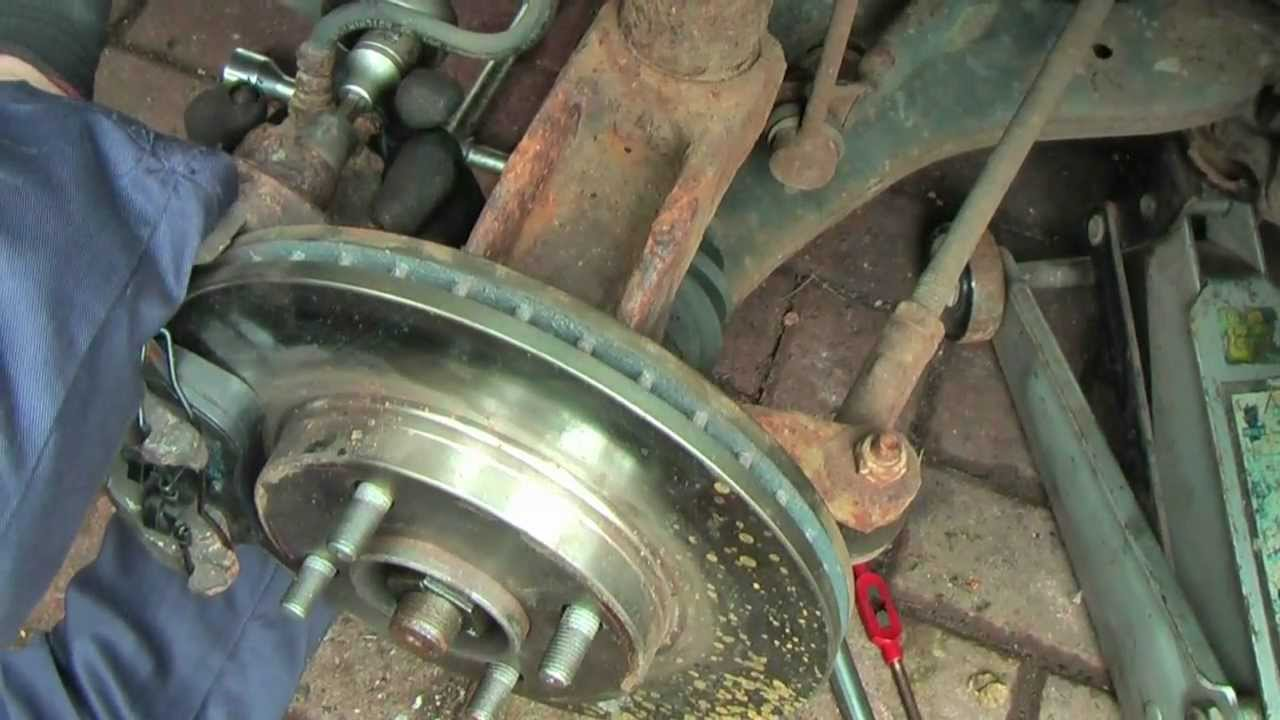 Ford Focus Brake Pads And Disc Change A Helicoil Thread Repair Squeaking Noise When Brakes Applied Car Judders To Slider Bolt Retaining Hole Youtube