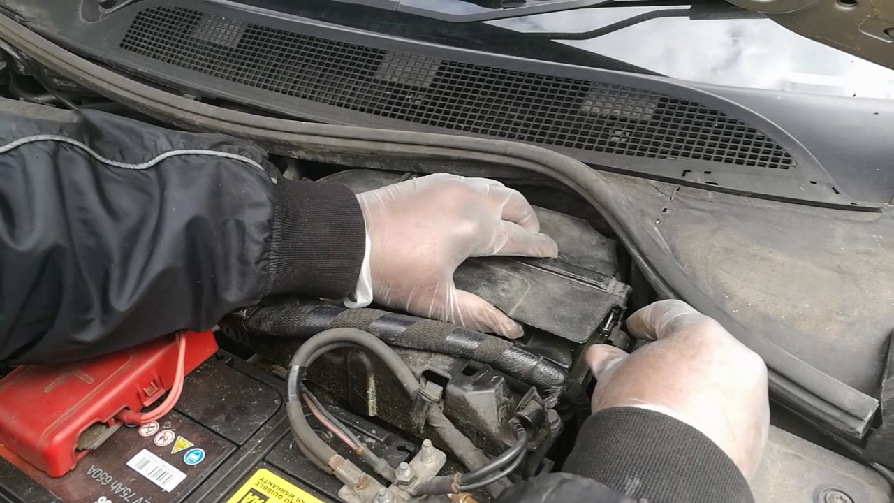 How To Change Air Filter On Renault Megane 2006 Model