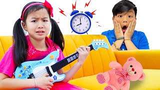 Funny Kids Story about Aliens with Wendy Alex and Lyndon