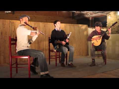 BEO (Wooden flute, Uilleann-Pipes, Bouzouki )