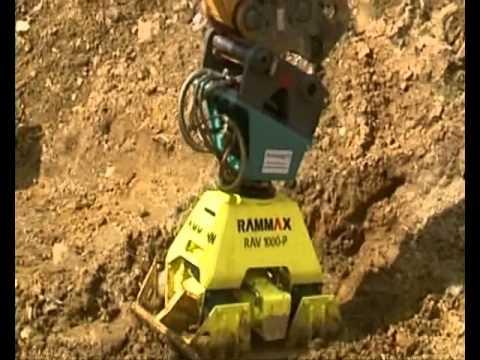 Metzingen: Навесное оборуование AMMANN Rammax, траншейный каток