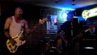 The 5 Fingers of Death, Live at The Caravan, Hang Ten in East berlin