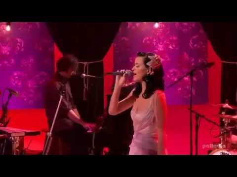 Katy Perry - I Kissed A Girl (MTV Unplugged)