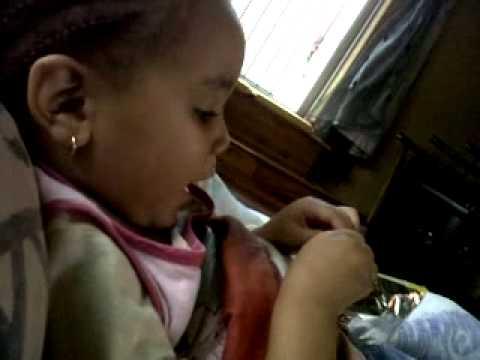 Qeelah singing a song from 2010 sa idols