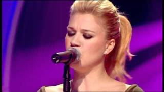 Gambar cover Kelly Clarkson - Because of you (Live)