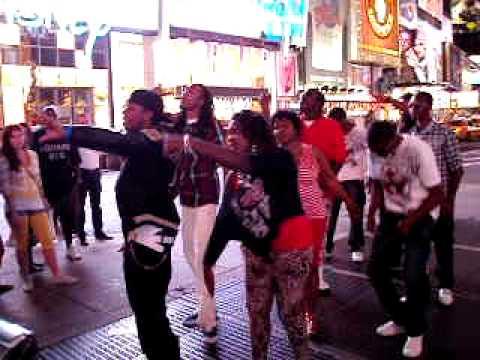 Rodando videoclips en Times Square.AVI