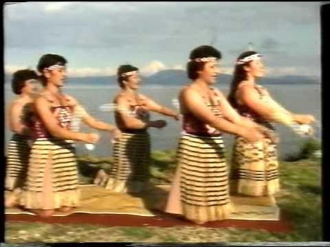 """Traditions et culture Maori en NZ . "" - Ngati Rangiwewehi group ."