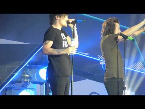 One Direction - You & I (lilo water fight, Louis centric) OTRA Helsinki Finland 27.6.2015
