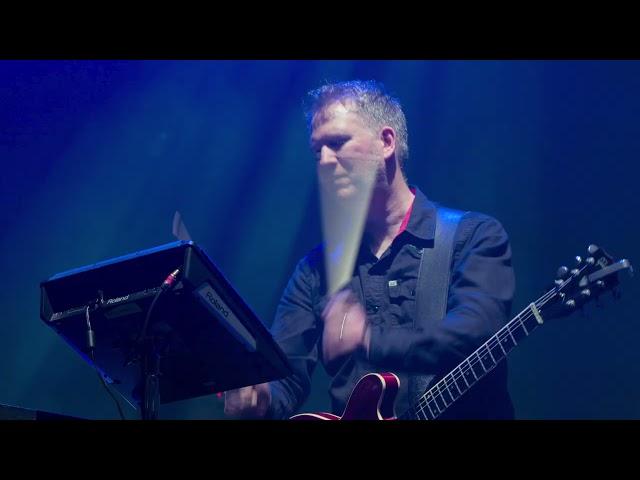 New Order - The Perfect Kiss (Live at Alexandra Palace)