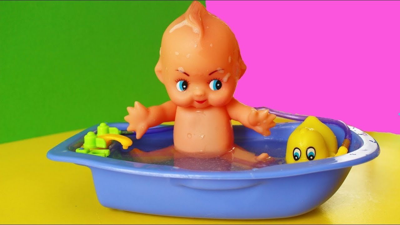Baby Doll Bathtime Toy Baby Doll Toy Bathing Water Daisy - YouTube