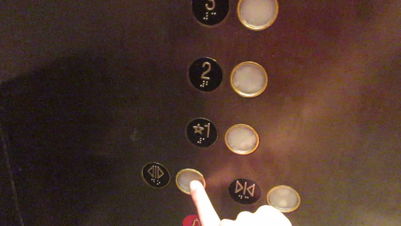 AWESOME 1997 MontgomeryKone Elevator at Nordstrom in the Roosevelt ...