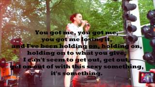 "Medina - ""Close to Nothing"" (Lyrics)"