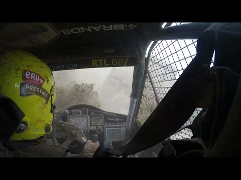 Dakar 2016: truckcrash, dangerous towing and special 3 for Tim and Tom Coronel