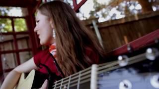 Vuelve Conmigo- Tania Brou videoclip