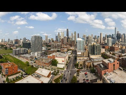 A River North penthouse with a large terrace, 3-bedrooms and 2 ½ baths