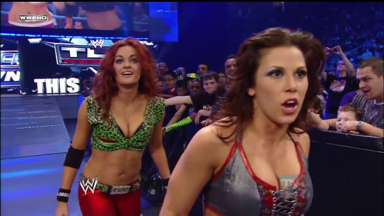 Download WWE SmackDown 11/12/2009│Mickie James & Maria vs Michelle McCool & Layla