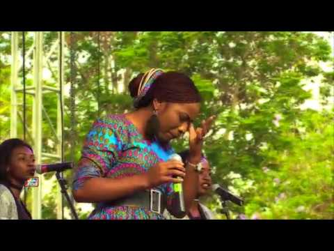 CHRISTINE  - BA YAHWE (LIVE UNSTOPPABLE PRAISE)