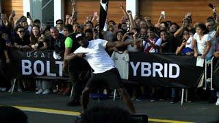 Usain Bolt vence a un mototaxi en exhibición en Perú