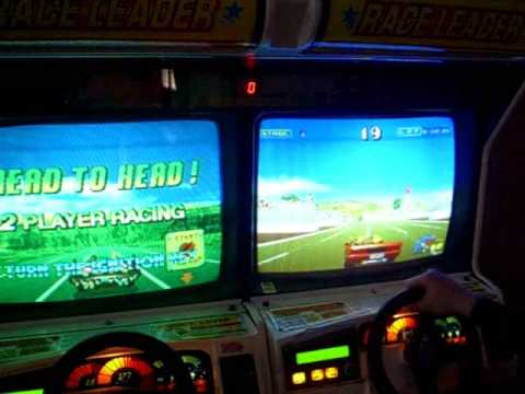 Willy Karling plays SEGA outrunners Cabs