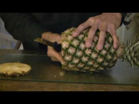 how to cut an anana