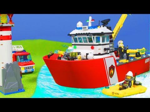 LEGO FEUERWEHRMANN Kinderfilm: Feuerwehrauto & Feuerwehr Boot für KINDER | LEGO Episode deutsch