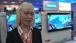 Janina von der Firma expert BENING präsentiert die Hauptgewinne für die Gewinner des Castings.