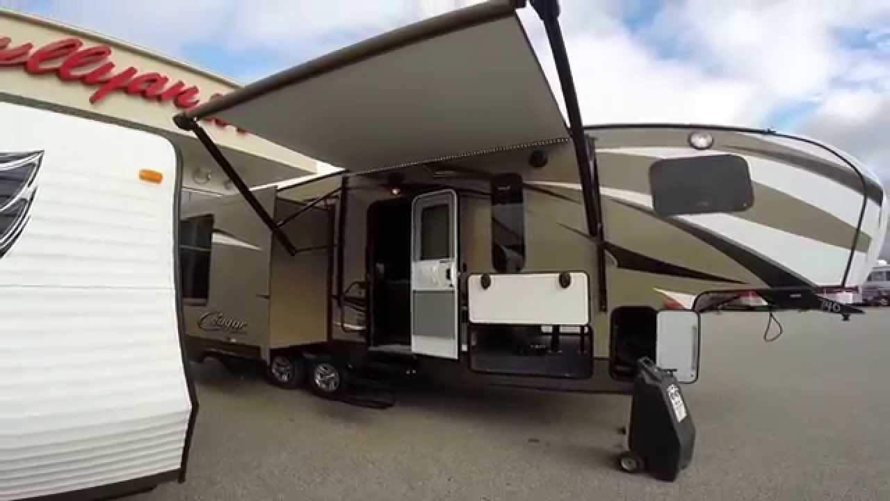2015 Keystone Cougar X-Lite 28SGS Three Slide Fifth Wheel