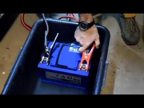 Аккумулятор TAB способен запустить двигатель из под воды - Смешные видео приколы