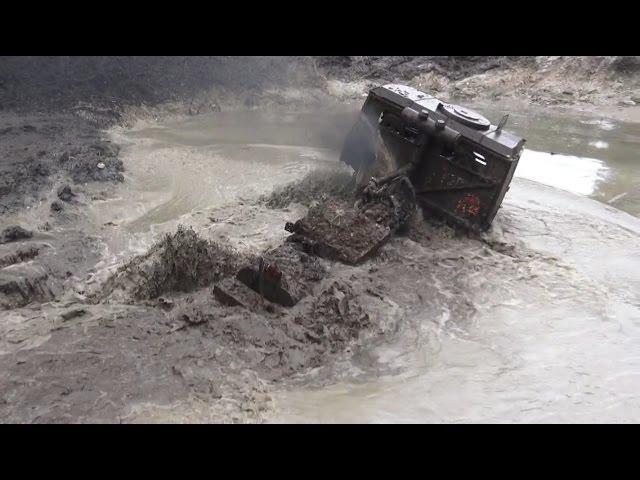 Off-road Trucks through water obstacle in Klaperjaht