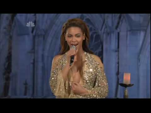 Beyonce at Christmas in Rockefeller Center : Ave Maria Dec_3_2008