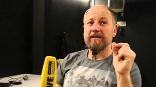 Roland Düringer im Gespräch: weltfremd oder visionär?