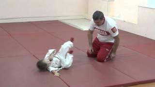 1.11.15 Открытый урок по дзюдо. Учимся падать - 1. Малыши 3 - 4 года. Centre Judo Kids. Feodosiya