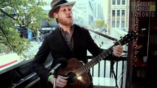 JARROD DICKENSON - BALLAD OF THE LONESOME TRAVELER (BalconyTV)