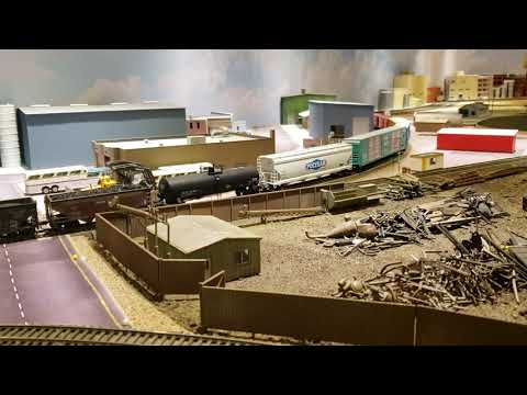 MODEL TRAINS HO Scale Vermont & Essex CP Freight Train Rolls Through New Industrial Scenes