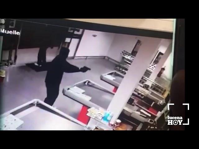 VÍDEO: Imágenes del intento de atraco a punta de pistola al Super Cash Darby de Lucena